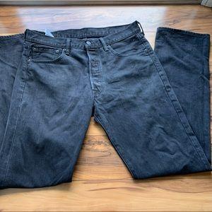 Levi's 501 men's button fly black jeans 34